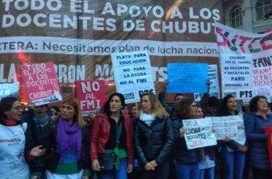 URGENTE: Los docentes de Chubut reclaman en el centro porteño