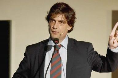Polémico: a pesar de la crisis económica Lacunza aumentó el salario de su gabinete