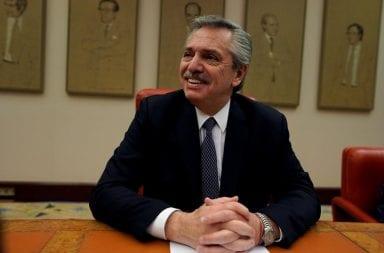 Alberto Fernández en España