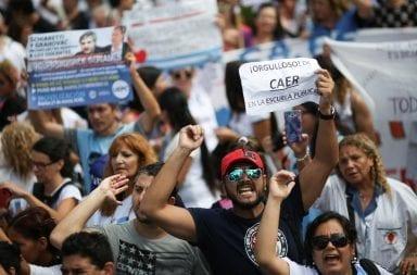 Marcha a Plaza de Mayo por el Día del Maestro