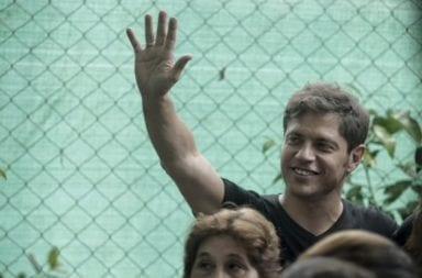 Axel Kicillof, ante una multitud histórica en el búnker de Chacarita:
