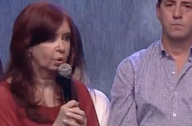Frente a una multitud histórica, Cristina Kirchner el pidió a Mauricio Macri
