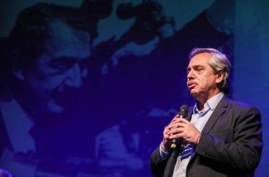 Alberto Fernández estuvo en el homenaje a Raúl Alfonsín