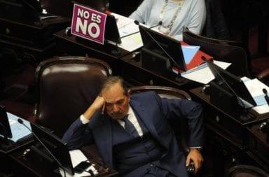 Tras la denuncia por abuso piden la renuncia de José Alperovich