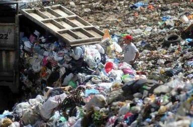 El Gobierno derogará el decreto de Macri que permite importar basura