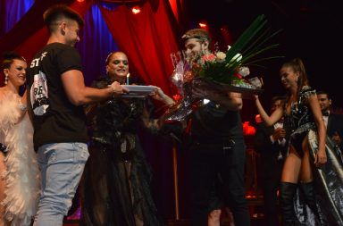 Mar del Plata: Viviana Saez festejo su cumpleaños en el escenario