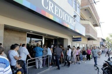 Los bancos abrirán el viernes para el cobro de jubilados y Asignación Universal