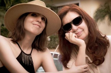 Cristina y Florencia Kirchner vuelven a la Argentina