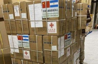 Las donaciones de insumos médicos que llegaron desde China con una frase del Martín Fierro