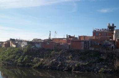 Excluídos: El Gobierno porteño reconoció que freno los operativos contra el dengue en la villa 21-24
