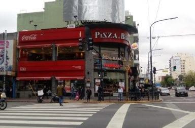 Pizza y Birra (Una esquina clasica de Flores)