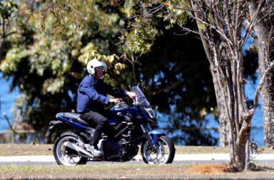 Jair Bolsonaro infectado con coronavirus se paseo en moto y sin barbijo