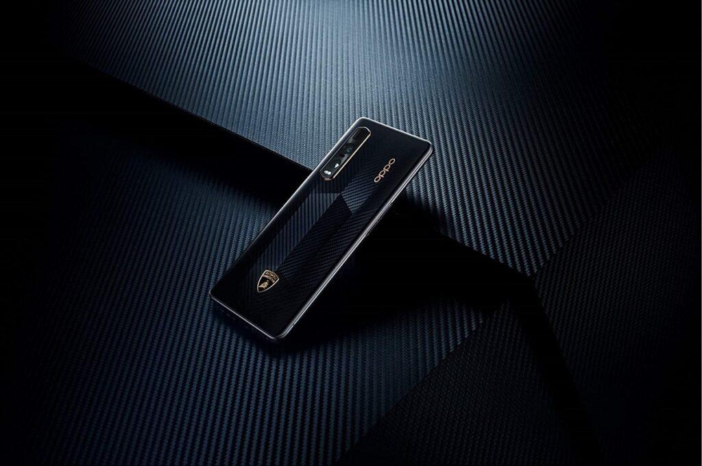 El Lamborghini Aventador SVJ Roadster ya tiene su propio celular