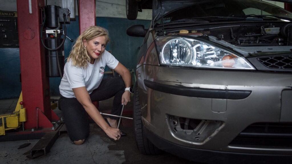 Lady Fierros lanzó una app para aprender cuestiones básicas del auto jugando
