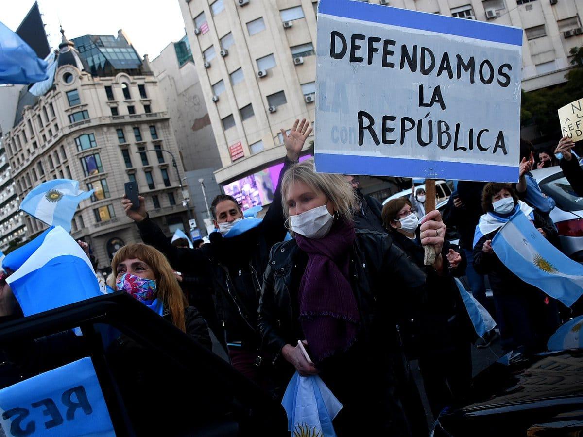 17A: banderazo contra el Gobierno en el Obelisco y diversos puntos del país