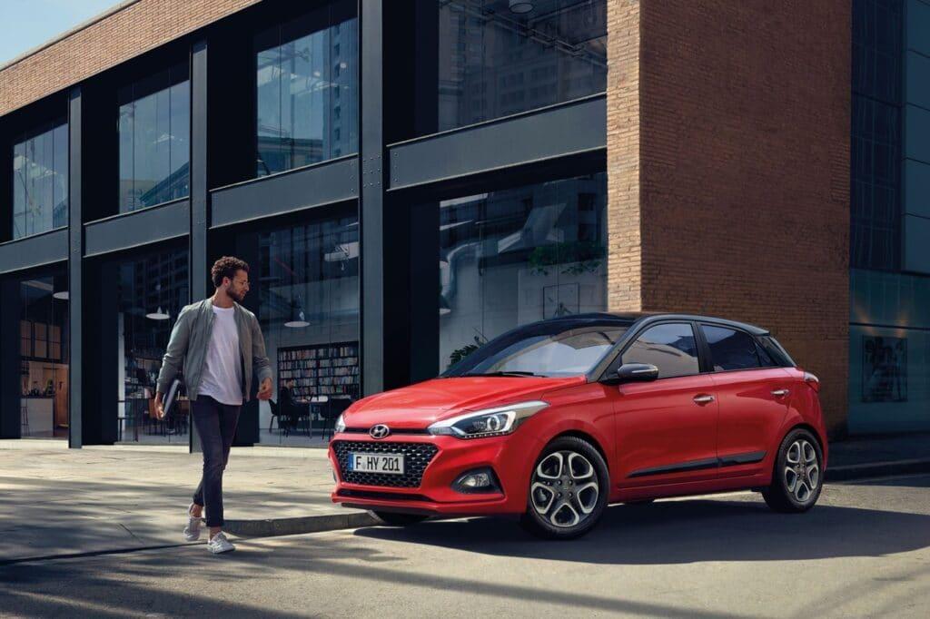 Para Hyundai los monopatines no son una amenaza para los autos, son un complemento perfecto