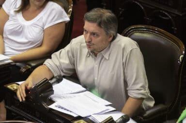"Máximo Kirchner apuntó contra Macri: ""es mucho mejor turista que presidente"""