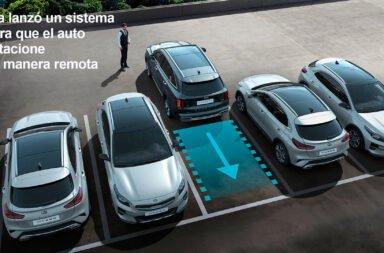 Kia lanzó un sistema para que el auto estacione de manera remota