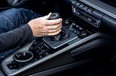 Porsche quiere conformar a los más puristas y ofrece una caja manual para el 911