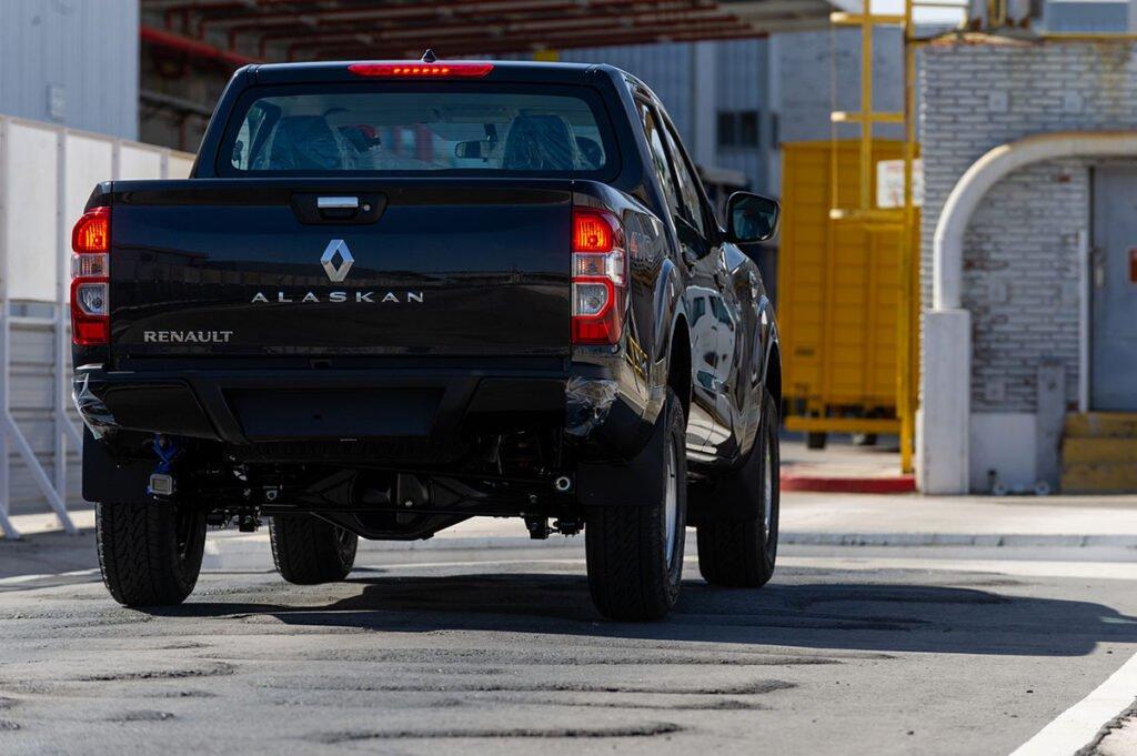 Renault mostró las pruebas de las primeras Alaskan en Argentina