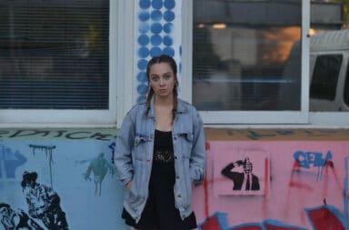 Yana presenta el video de 'No me haces falta' feat. Locho