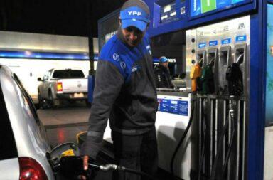 YPF aumentó las naftas un 4,5%