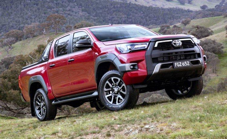 ¿Llega la versión híbrida de la Toyota Hilux a Argentina?