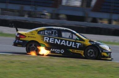 Pernía aprovechó y se quedó con la carrera clasificactoria del Súper TC2000 en Buenos Aires