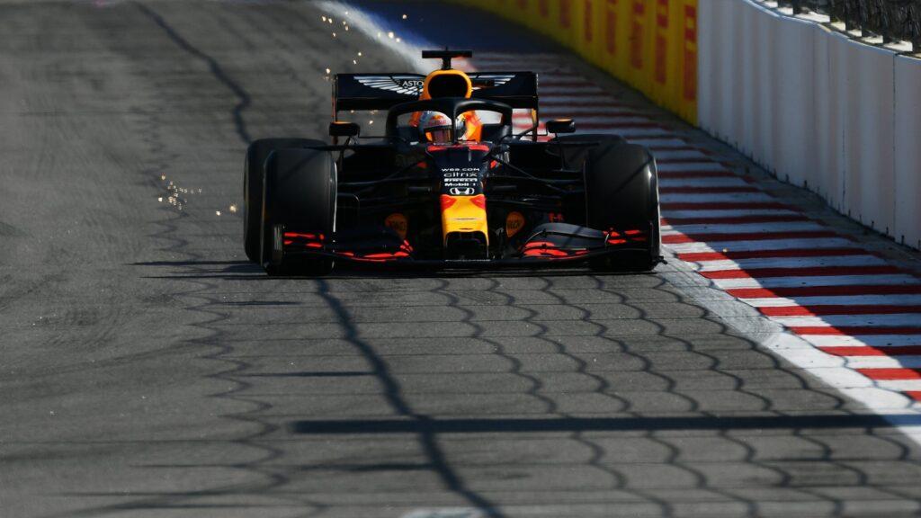 Hamilton se quedó con la pole en Rusia pero la noticia la dio Verstappen siendo segundo