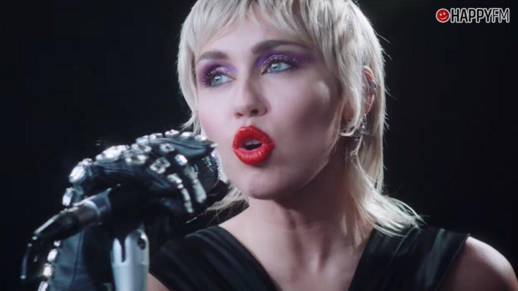 Miley Cyrus hará un recital en el jardín de su casa
