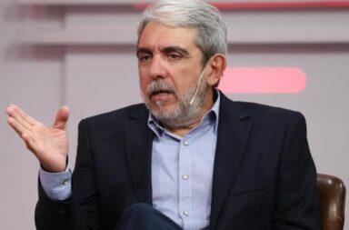 """La polémica frase de Aníbal Fernández para desligar al Presidente del escándalo en Olivos: """"¿Qué tenía que hacer el marido?"""" ¿Cagar a palos a la mujer porque cometió un error?"""