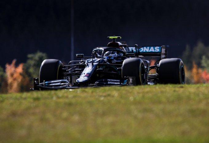 Bottas le ganó el duelo a Hamilton y se quedó con la pole en Nürburgring