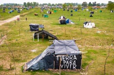 Con más de 4000 efectivos listos para desalojar la toma de Guernica, Berni le pidió a la Justicia posponer el desalojo por el mal clima