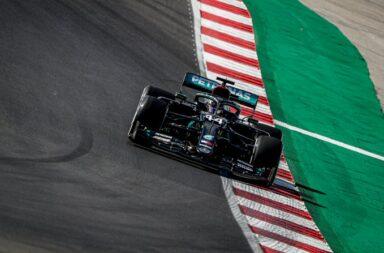 Con neumáticos medios Hamilton le ganó sobre el final la pole a Bottas en Portimao