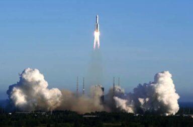 China mandará a la Luna su cohete más grande jamás construido