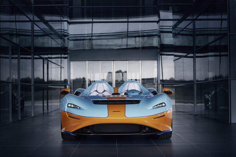 McLaren vistió al Elva con los míticos colores de Gulf