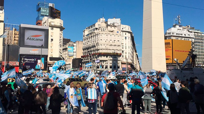 12O: Marchas y banderazos en casi todo el país