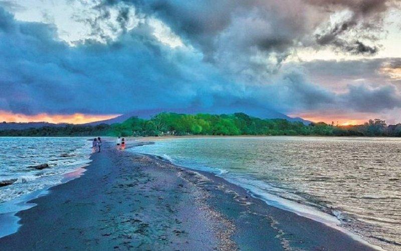 Nicaragua (lagos, volcanes y playas)