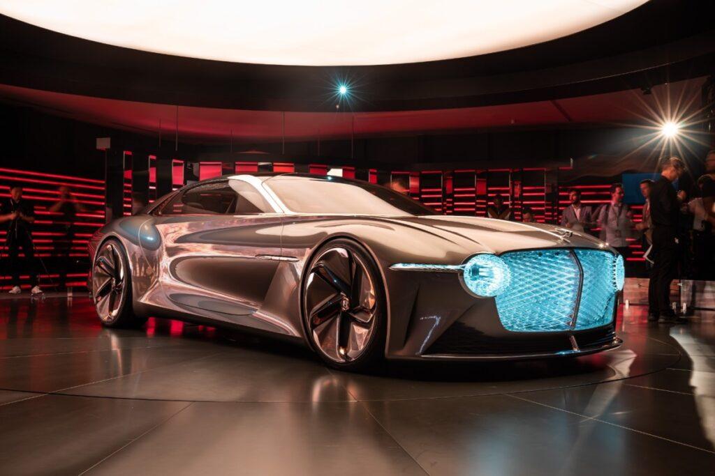 Bentley será una firma automotriz totalmente electrificada a partir de 2030