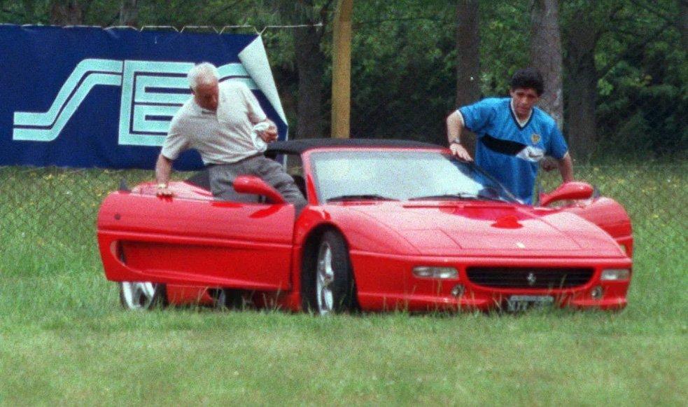 Maradona y una vida plagada de todo tipo de autos