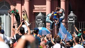 El presidente repudió el accionar de la policía porteña durante los incidentes en la despedida a Maradona