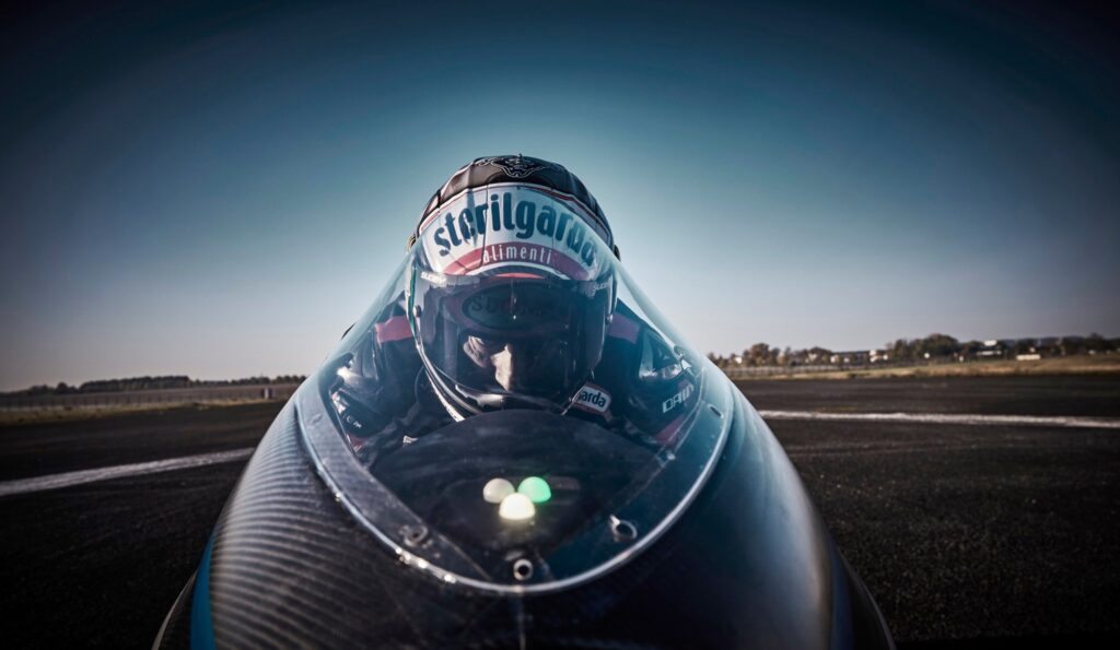 Voxan Wattman: La moto eléctrica más rápida del mundo que venció 11 récords con un ex Moto GP como piloto