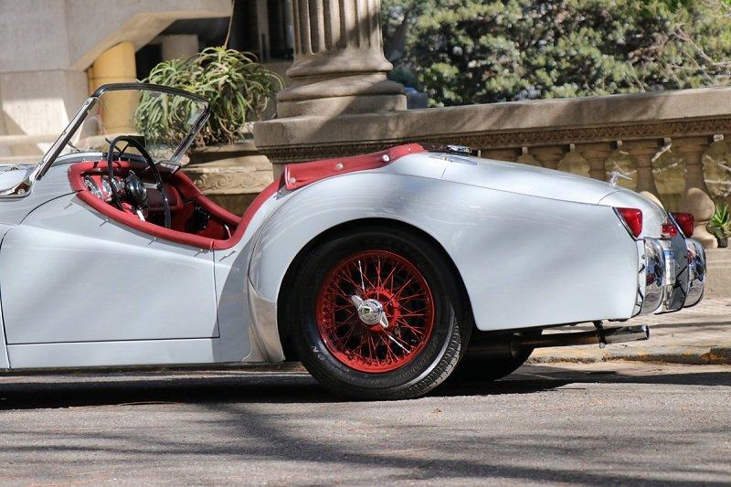 Triumph TR2: Un dandy inglés que se pasea por Buenos Aires y no le pesan los años