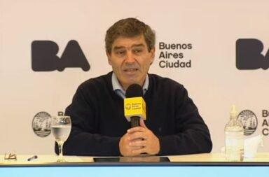 """Fernán Quirós: """"No tenemos información científica válida para recomendar ninguna vacuna"""""""