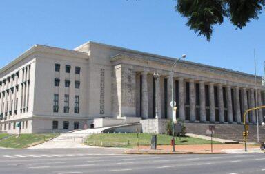 El Gobierno habilitó la vuelta a clases presenciales en las universidades