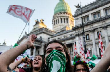 Legalización del aborto: El cambio anunciado por el oficialismo al proyecto, acerca los votos para su aprobación