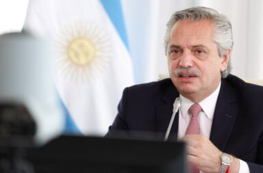 """Alberto Fernández anunció que firmará el contrato con Rusia y """"se vacunarán 300 mil personas antes de fin de año"""""""