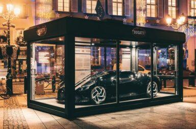 Para celebrar la navidad, Bugatti expone en plena calle un La Voiture Noire