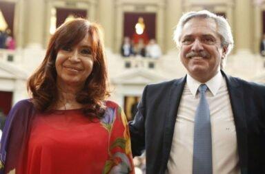 Sin mencionar a Alberto Fernández y a horas de cumplirse un año de gestión, Cristina Fernández de Kirchner difundió una carta