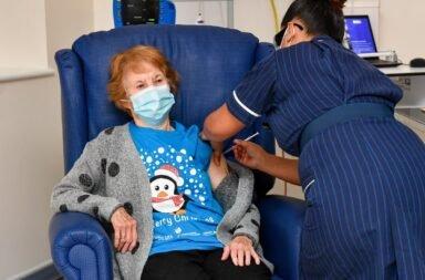 Reino Unido primera vacunada
